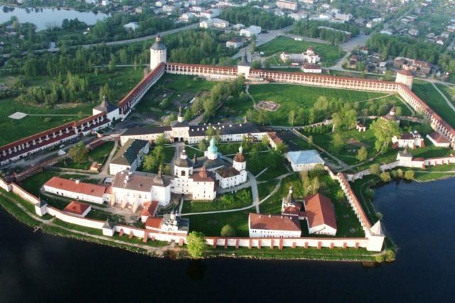 В Кирилло-Белозерском музее-заповеднике открылась выставка  пасхальных сувениров